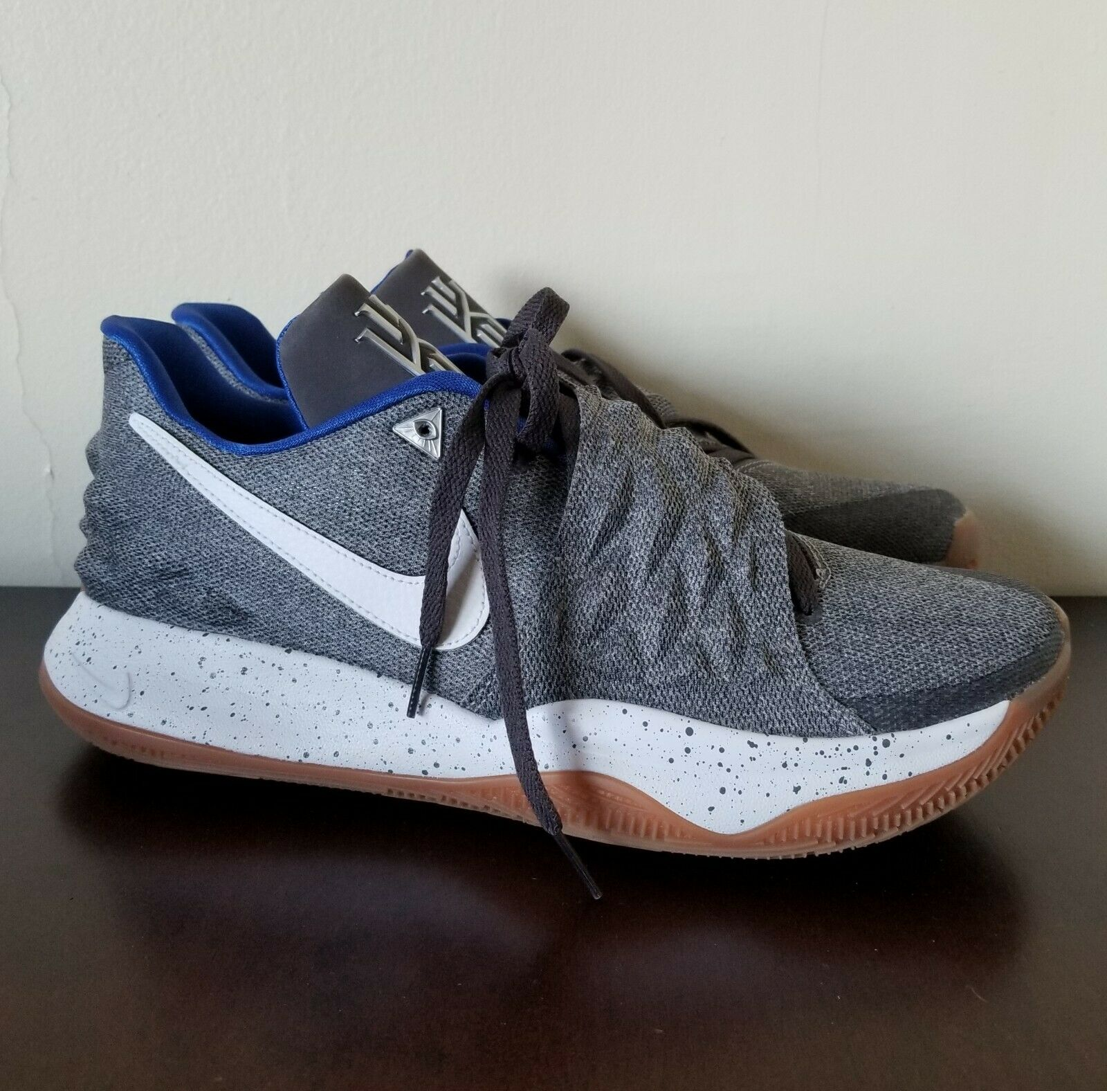Nike Kyrie Low Uncle Drew DS Grey Gum Mens Basketball shoes Sz 11.5 AO8979-005