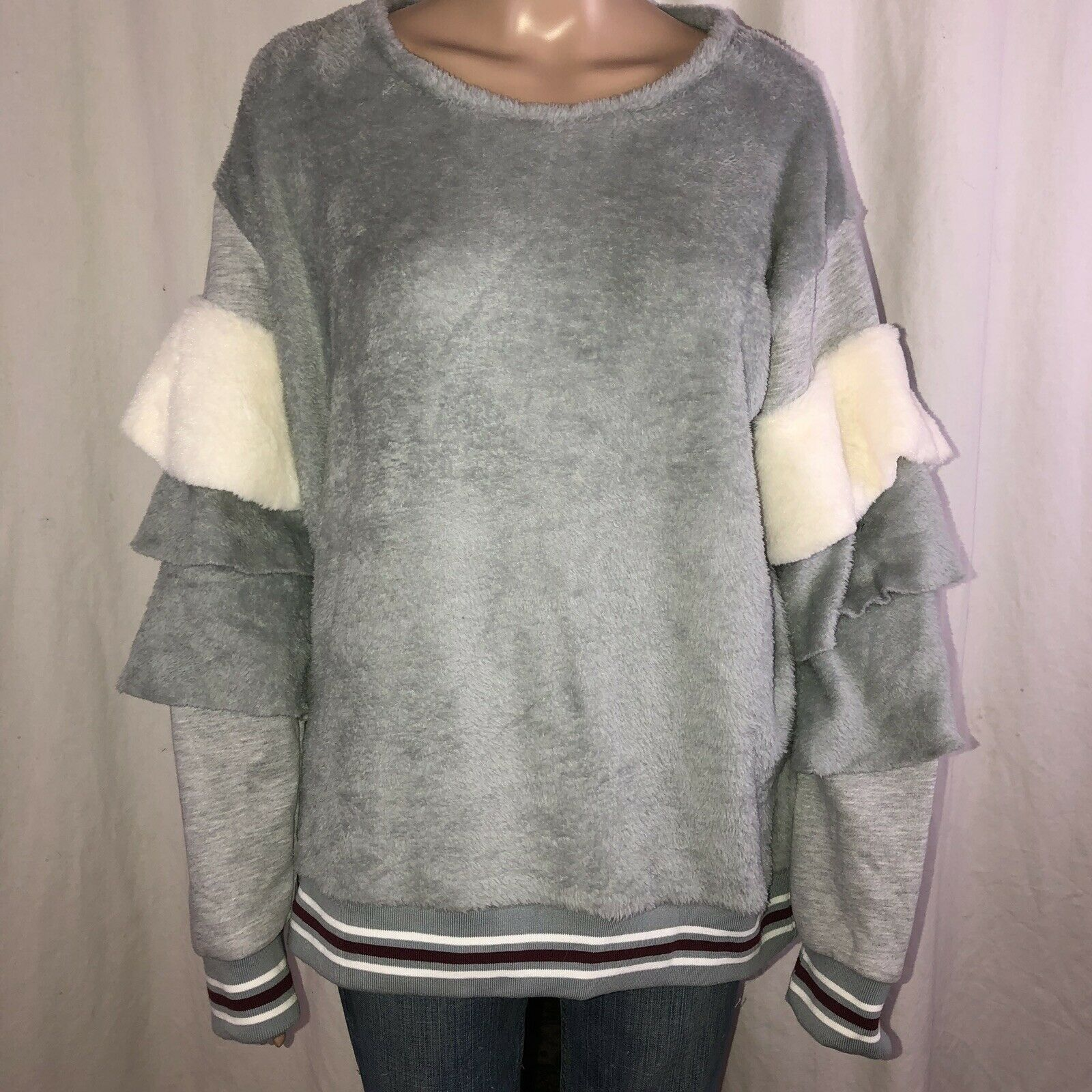 POL Tiered Sleeves Velour Top Size Large
