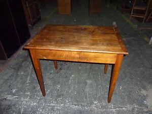 Ref 736 table à écrire en noyer peut aussi faire bureau meuble