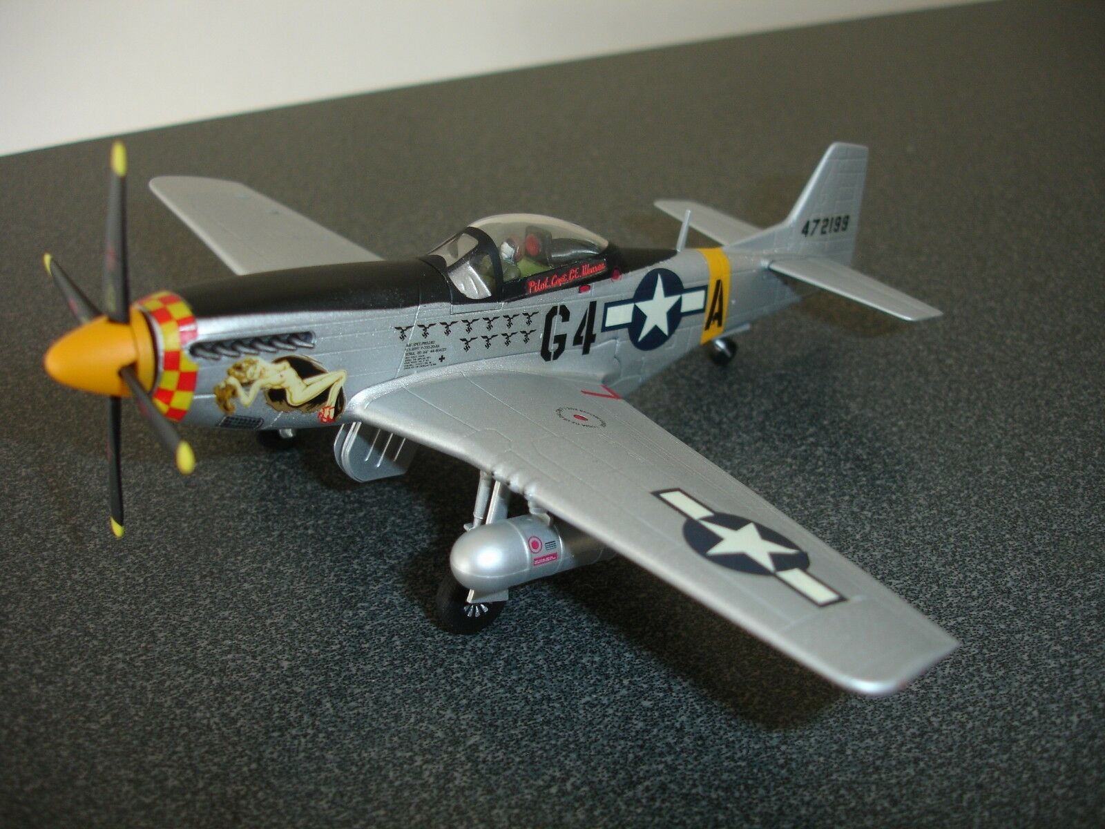 WITTY WINGS P-51D Mustang Capitaine Charles E Weaver
