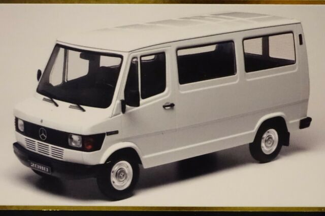 Mercedes 208 D Bus 1988 weiß 1:18 KK-Scale 180291 neu & OVP