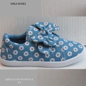 0dce7391d3c8 CHILDRENS GIRLS CANVAS SHOES ( BLUE DAISYS ) SIZE 8 10 11 12 1 ...