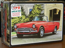 AMT 1960's Sunbeam Tiger 2 in 1 Street/Race model kit 1/25