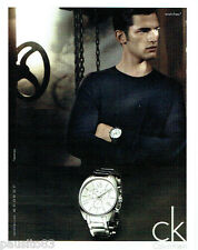 PUBLICITE ADVERTISING 1016  2011  Calvin Klein  collection montres homme