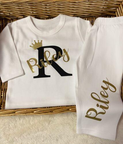 Cappello Ordine SPECIALE Baby Pigiama//Babygrow scarpine bianco personalizzato qualsiasi nome