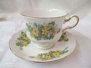 Vintage-England-Queen-Anne-bone-china-Cup-amp-Saucer-Shamrocks-amp-yellow-Flowers