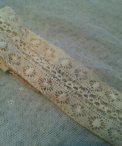 Antique-Insertion-Lace-Trim-Remnant-Edging-Sewing-French-Doll-Clothes-13-034