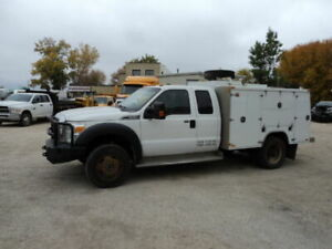 2015 Ford F 450 XLT 4x4 with service body and v mac compressor