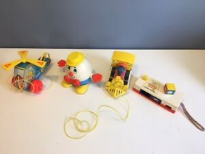 VINTAGE-LOT-OF-FISHER-PRICE-HUMPTY-DUMPTY-PULL-TOY-TOOT-TOOT-MINI-COPTER-CAMERA