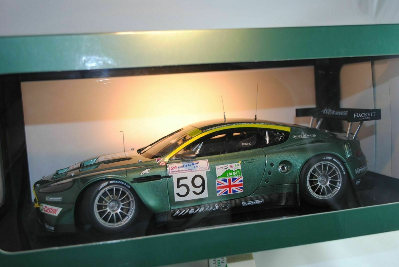 1 18 Autoart Aston Martin Racing DBR9 Le Mans Ltd .edition 1 3000 Nuevo