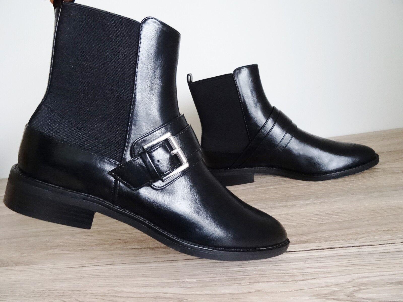 Zara Negro Plano Efecto Cuero Botas al tobillo con correas de tamaño de EU abrochado 37