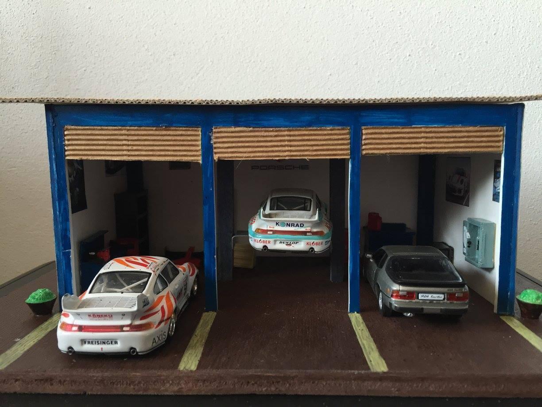 080 Diorama Officina Garage Assistenza Porsche 30x20x11 - DIE CAST 1:43