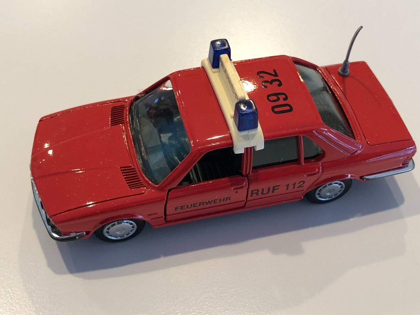 BMW 528i E28 Red Fire  Feuewehr RUF RUF RUF 112  1 43 scale model cc5a52