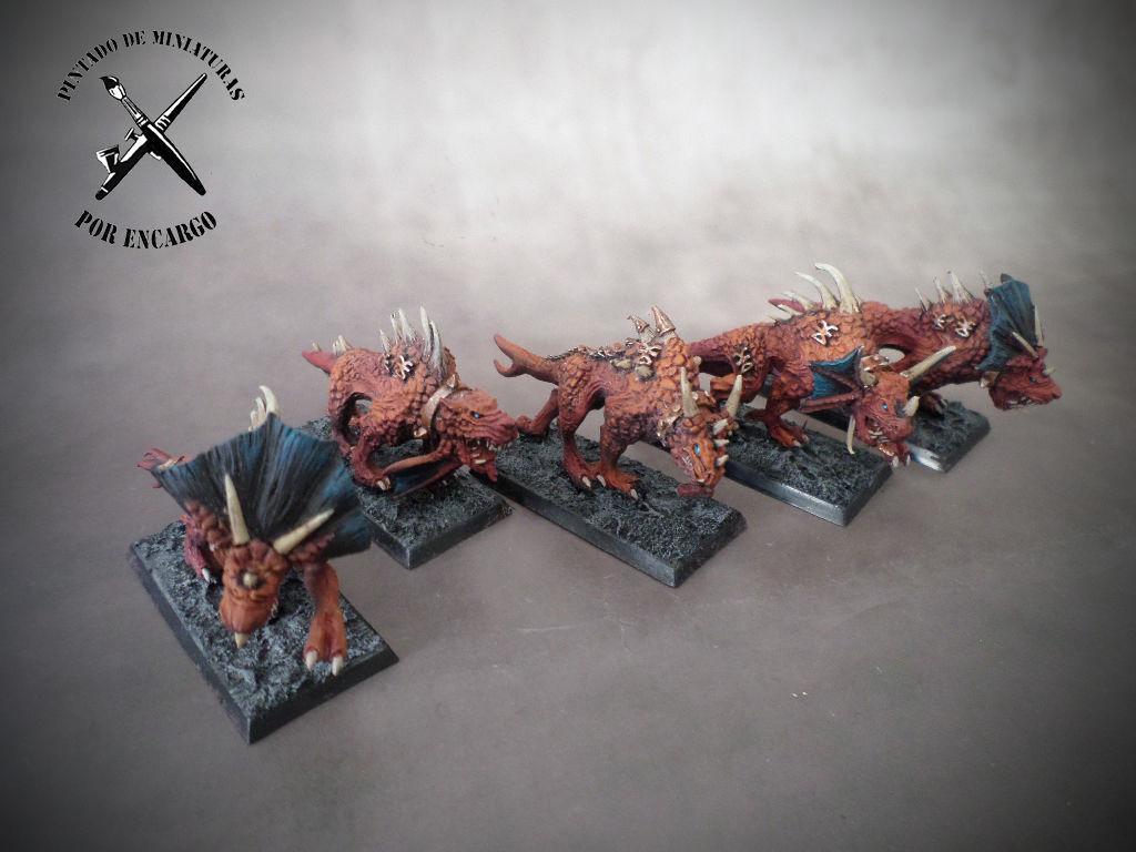 Flesh Hounds of Khorne daemons demonios Caos Warhammer Age of Sigmar propainted