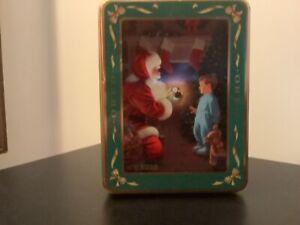 Vintage 1991 Nabisco Oreo Cookie metal tin(Christmas theme)