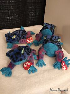 TY  BEANIE  BABY  DART  THE FROG  WITH TAGS IN EXCELLENT CONDITION