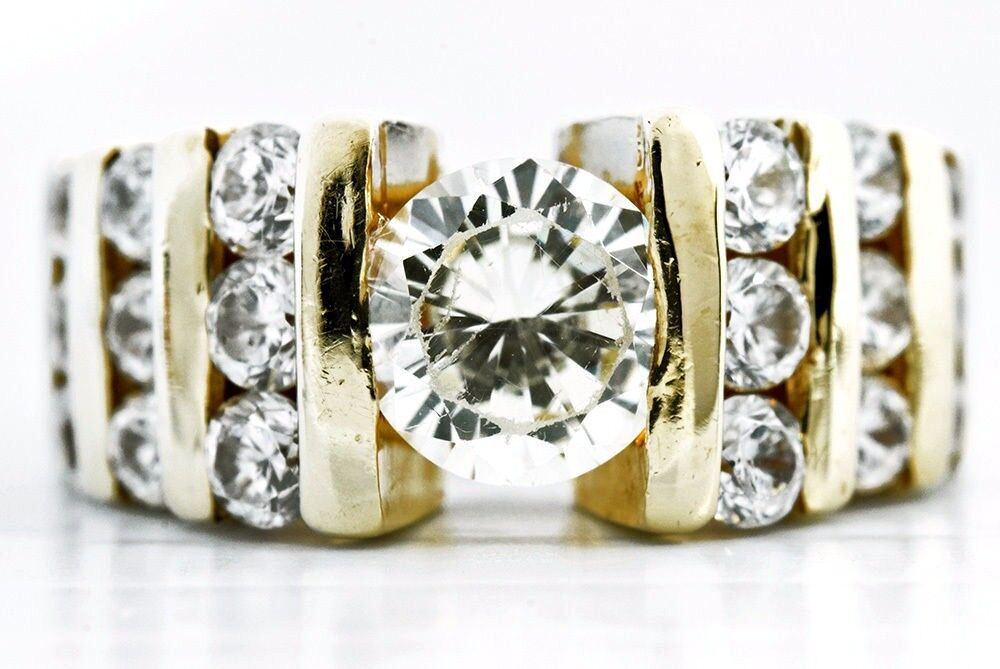 Exquisite Women's 2.05 ct Simulated Diamond Engagement Ring 14k Solid gold