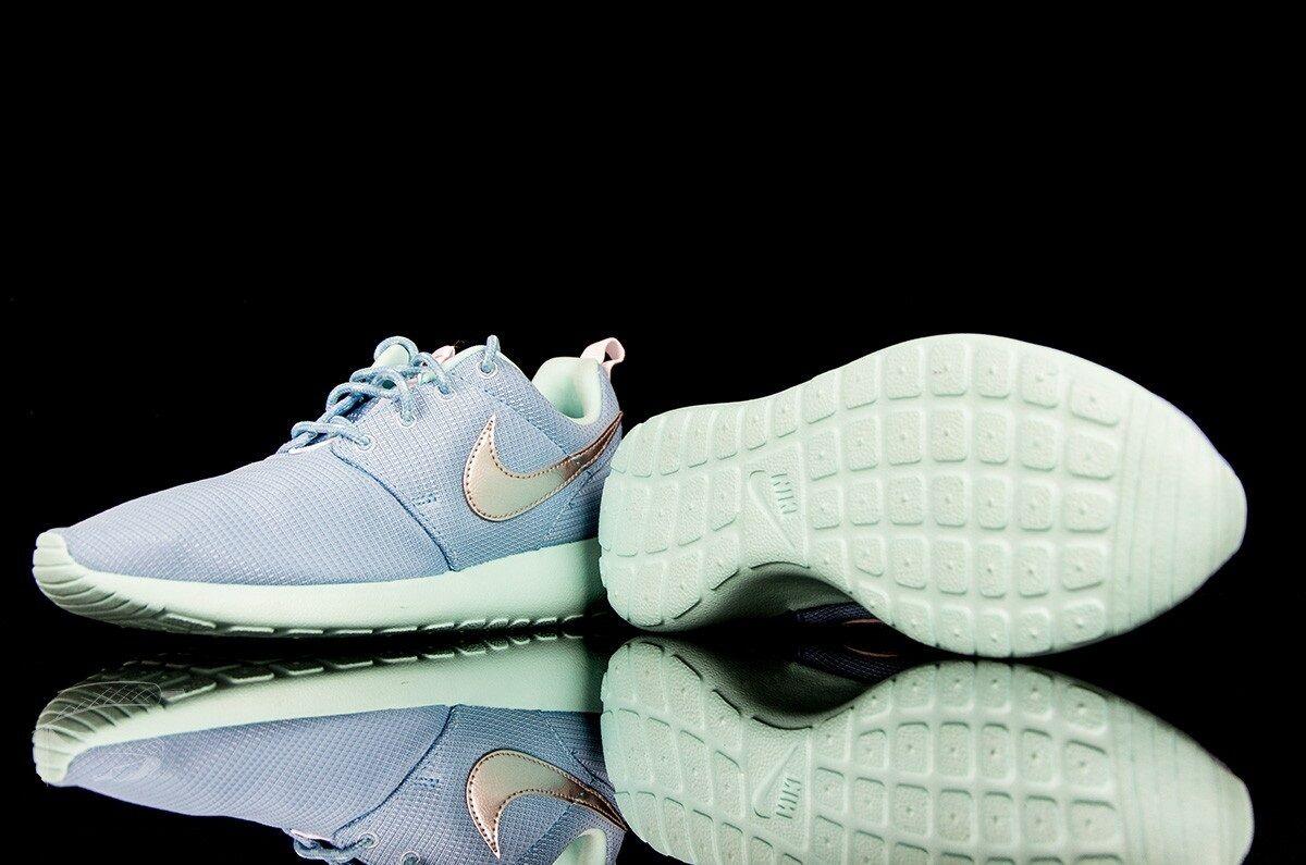 Nike Roshe Run bleu clair Youths Trainers - 599729-405