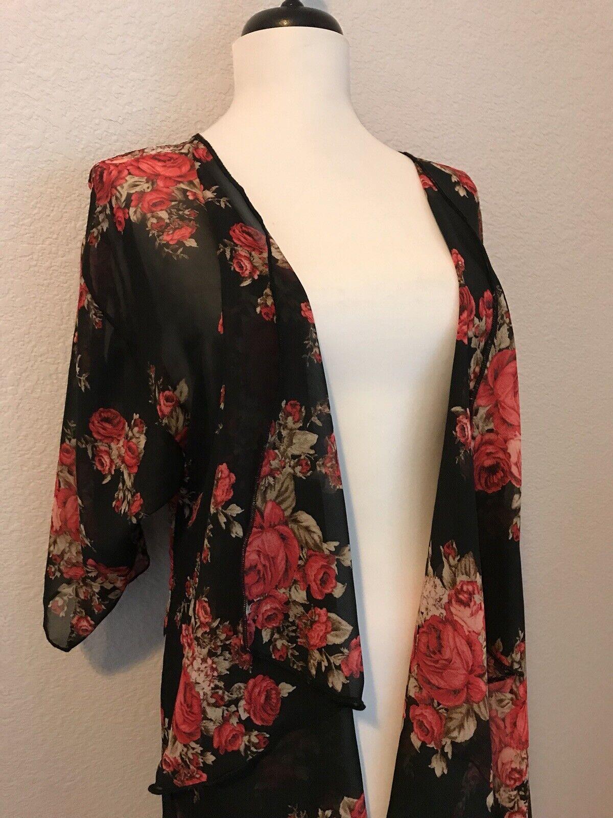 LulaRoe Shirley Kimono Small NWT schwarz rot Tan Rosas Floral Unicorn