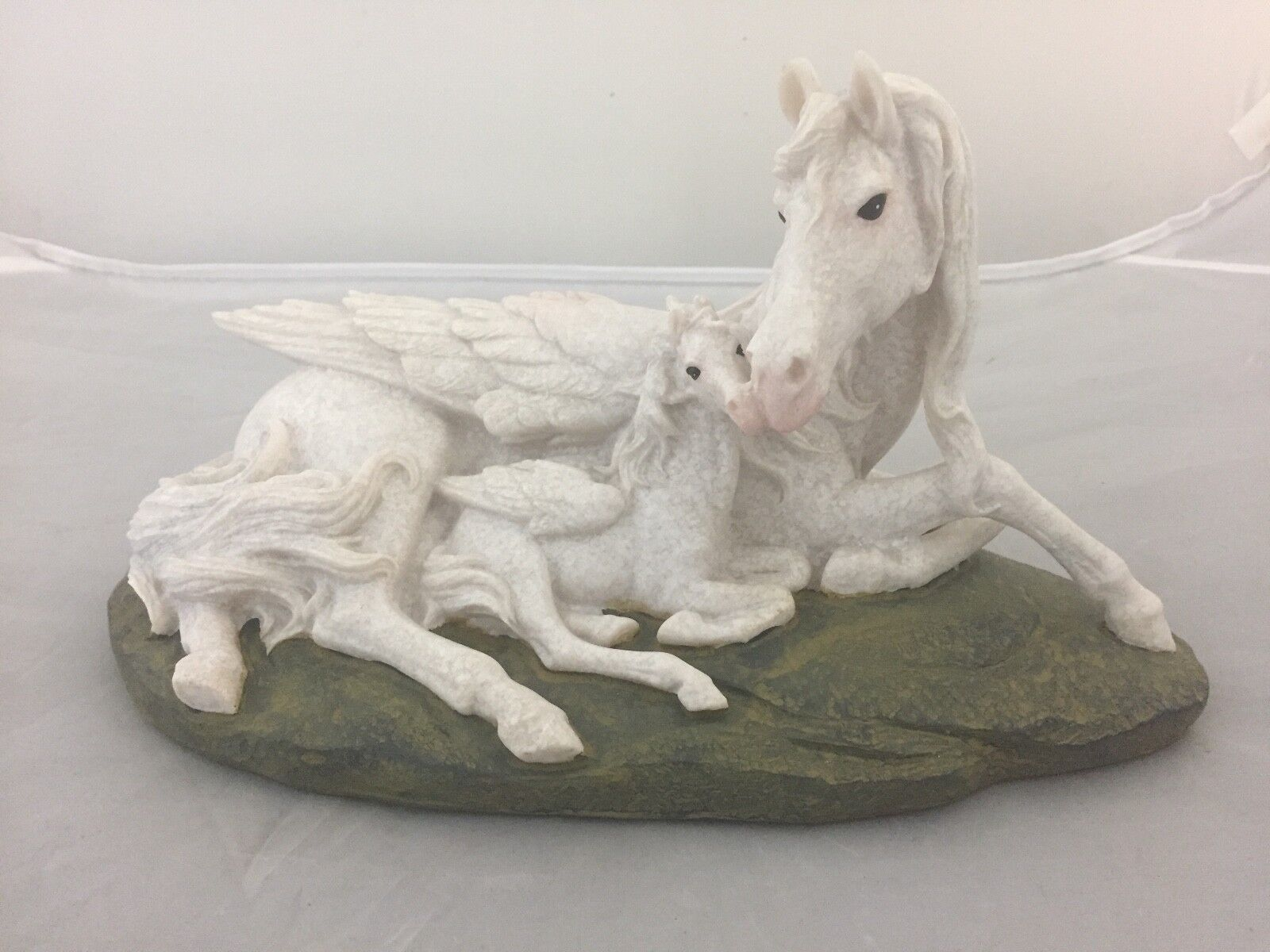 Nuevo Bebé encantado legado Pegasus Caballo Figura De Resina mítico Nemesis Now en Caja