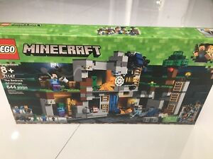New LEGO Minecraft 21147 THE BEDROCK ADVENTURES, 644pcs, Ages 8+ *FREE SHIPPING!
