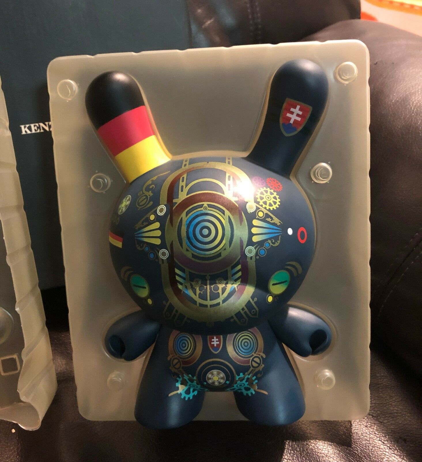 Kenzo Minami 8  Dunny kidrobot message board release Japan art figure toy RARE