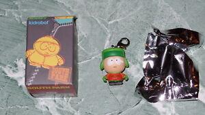Kidrobot SOUTH PARK Zipper Pull Series 1 KENNY Keychain Vinyl Figure