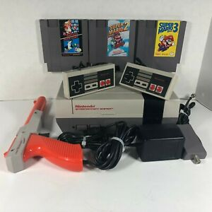 Nintendo-NES-Bundle-with-Controllers-amp-Zapper-Mario-Bros-1-2-amp-3-with-Manuals