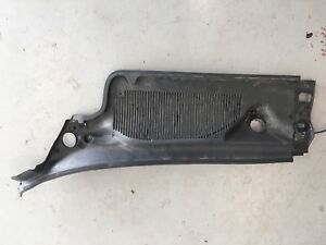 2006-2011 Cadillac DTS Front LEFT Windshield Cowl Vent Panel Trim 15265207