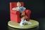 TINTIN-ET-MILOU-A-LA-MAISON-fauteuil-rouge-herge-moulinsart-collection-numerotee miniature 1