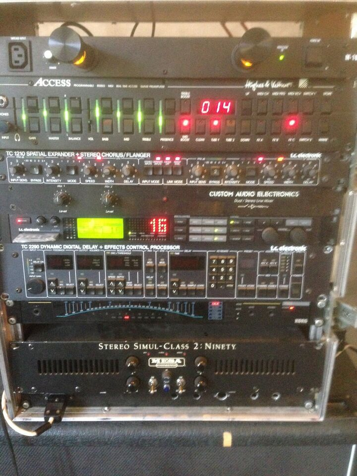 Line mixer, Andet mærke Custom audio