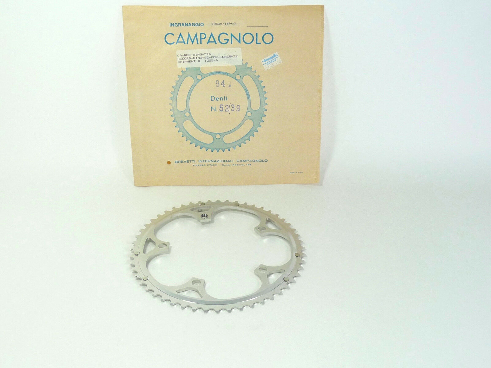 Campagnolo Record 8 9 speed 52T Chainring 52 39 135BCD 3 32  6 7 LAST ONE  NOS