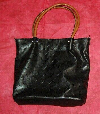 Maestro geräumige schwarze Schultertasche Handtasche Tasche Damentasche Leder?