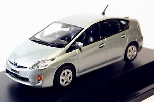 1-43-TOYOTA-PRIUS-societe-azur-MODELE-Model-Toy-Gift