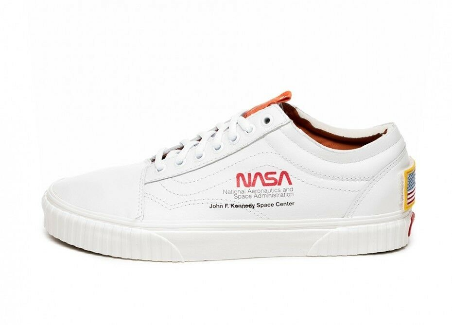 NASA x Vans Old Skool Space Voyager True White Size 8.5 NEW