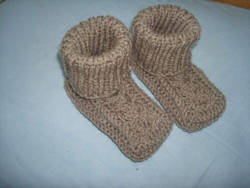 Hand Knitted Baby Chaussons 9-12 Mois
