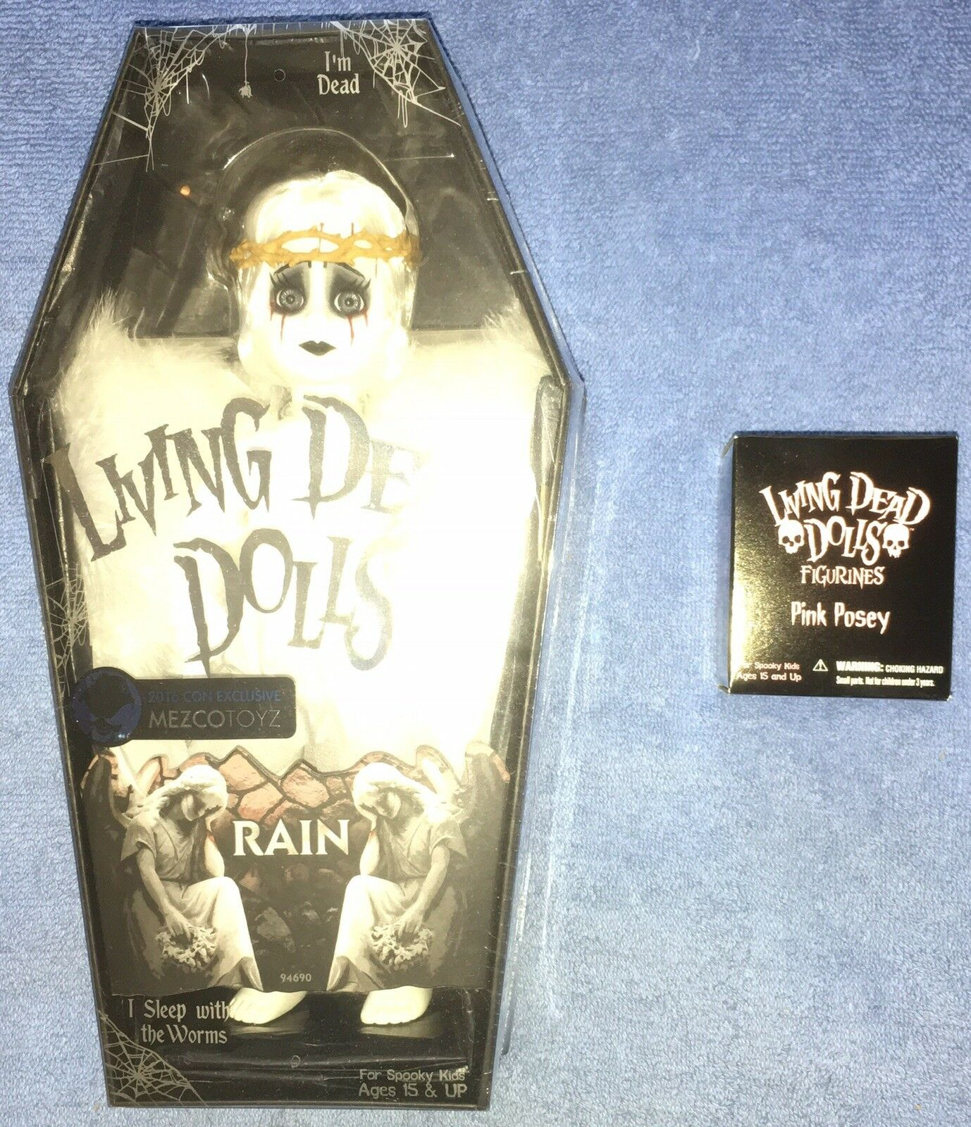 Living Dead Dolls 2016 con Exclusive blanco Rain figura Goth resurrección Mezco
