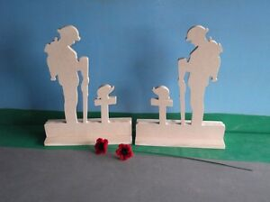 2-x-Standing-Figure-Fallen-Soldier-Large-And-2-Poppies