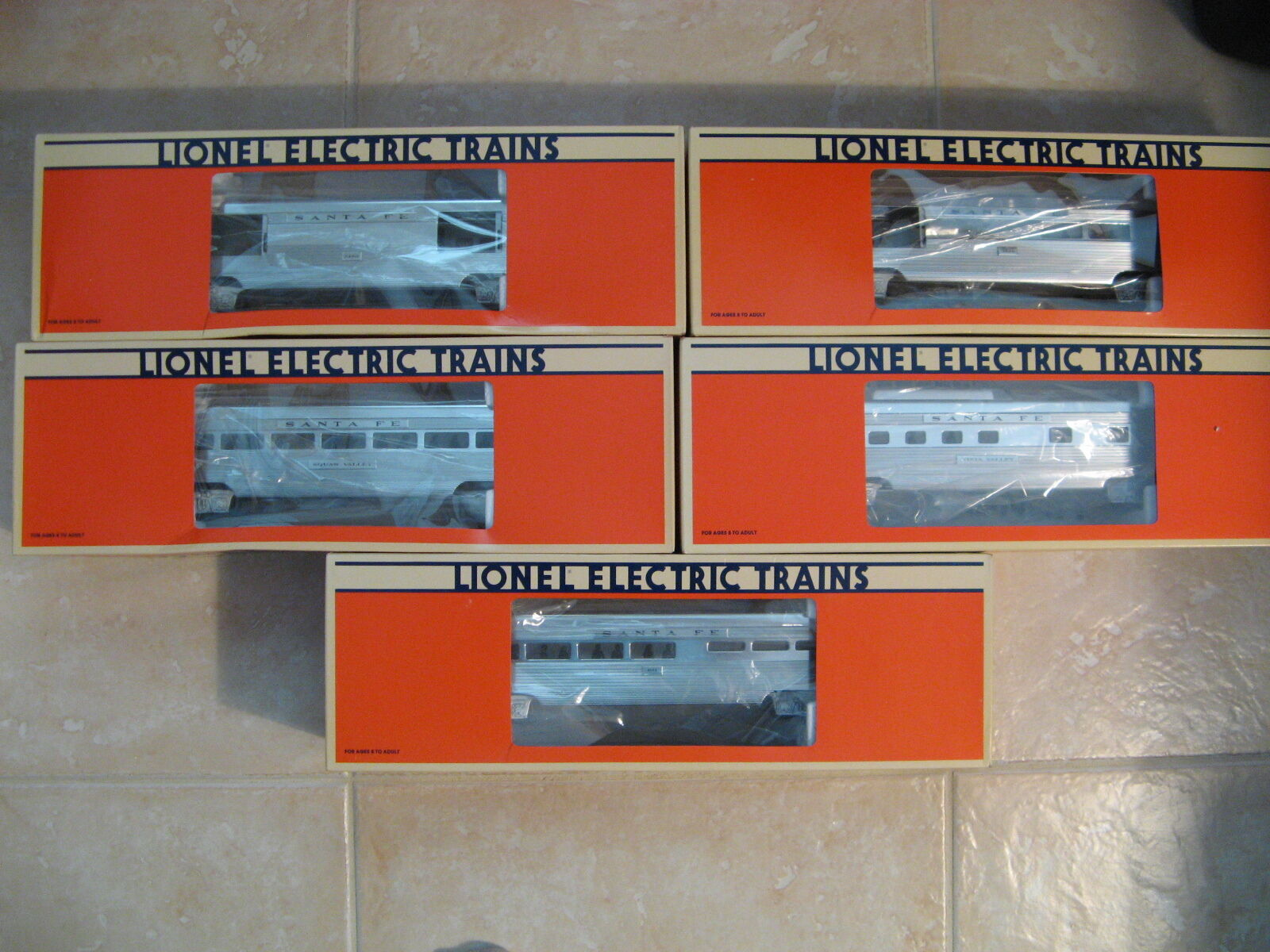 LIONEL SANTA FE ALUMINUM  PASSENGER CARS SET in Original Box's Lot of 5