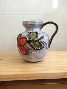 Vase-Bluemenvaeschen-aus-Keramik-bemalt-mit-Griff-H-12cm
