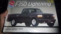 Amt 1994 Ford Lightning Pickup Truck F-150 1/25 Model Car Mountain
