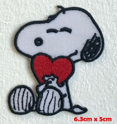 The Peanuts pet Snoopy with heart Iron Sew on Embroidered Patch#1495