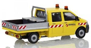 Nzg888 / 02 - Transporteur Volkswagen T5    1/50  granvia