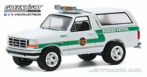 A-S-S-Nouveau-Greenlight-1-64-FORD-BRONCO-1993-U-S-Customs-and-Border-Protection