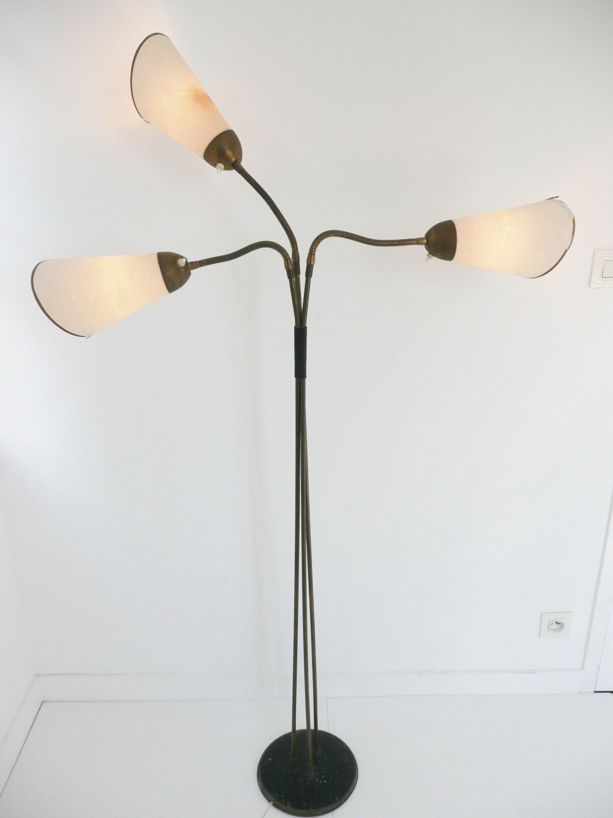 LAMPADAIRE TYPIQUE 1950 A 3 BRAS FLEXIBLES VINTAGE DESIGN ANNEES 50 MID CENTURY