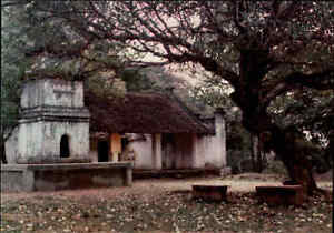 VIETNAM-Postkarte-Vi-t-Nam-Den-Hung-Tempel-Anlage-Low-Temple-Ansichtskarte