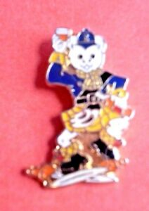 Official-Rupert-Bear-Doing-a-Scottish-Highland-Jig-Fling-Enamel-Pin-Badge-Blue