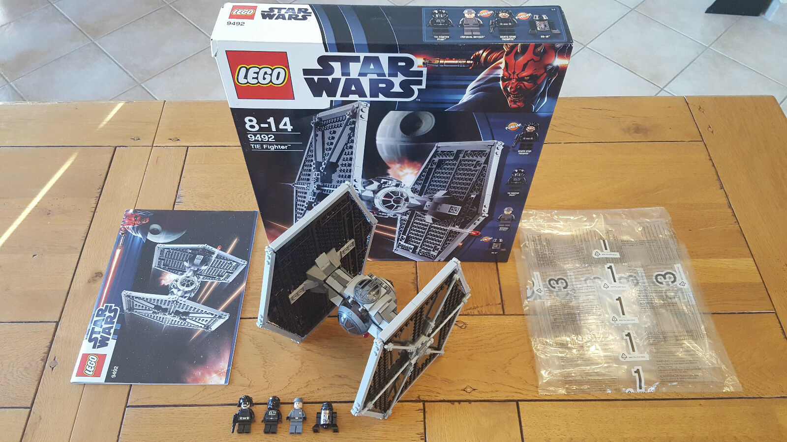 LEGO STAR WARS 9492  TIE Fighter , 100% COMPLET + BOITE, COMME NEUF
