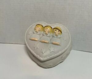 5-Vintage-Praying-Angels-Heart-Shaped-Jewelry-Trinket-Box-Porcelain-Pre-owned
