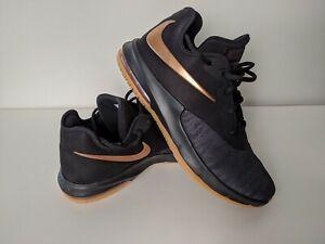 Nike Air Max infuriate III. Negro y Oro. UK 10. BNWT